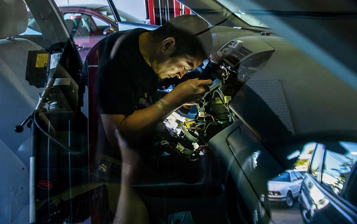 BIZ-WRK-AUTO-MECHANICS-1-SE